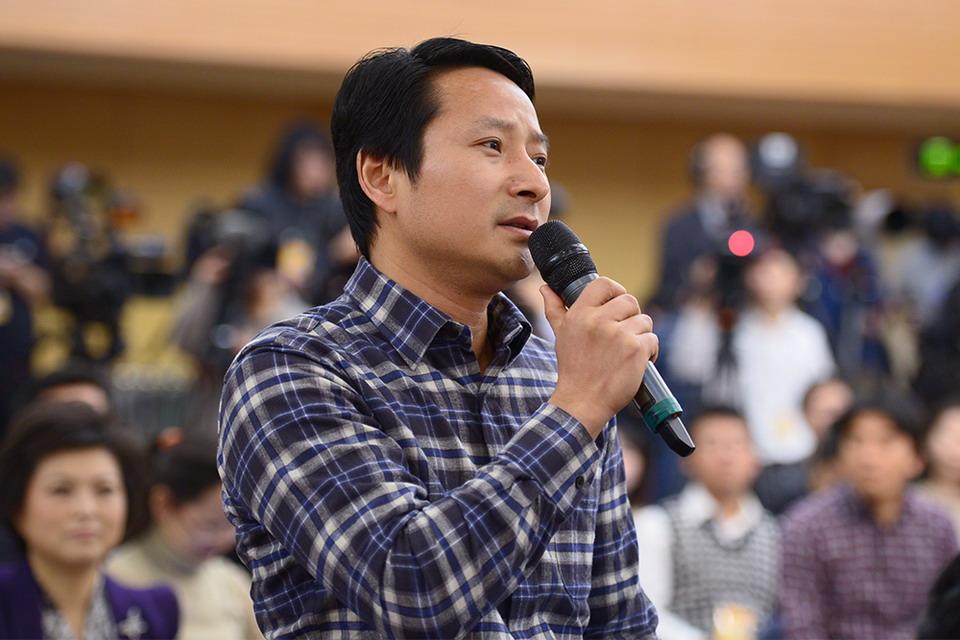 ...代表依法履职 中国县域经济报记者提问