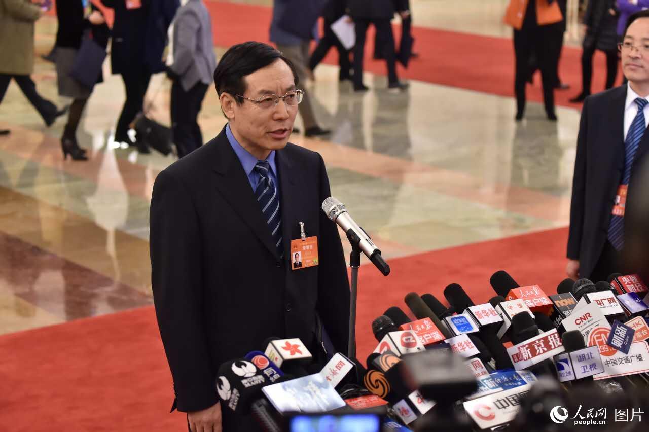 国家食药监局_国家食药监局局长毕井泉接受采访--2017全国两会--人民网