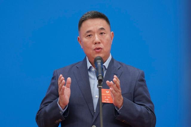 全国政协委员刘伟接受媒体采访