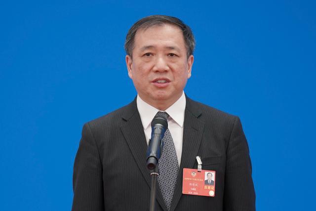 全国政协委员杨振斌接受媒体采访