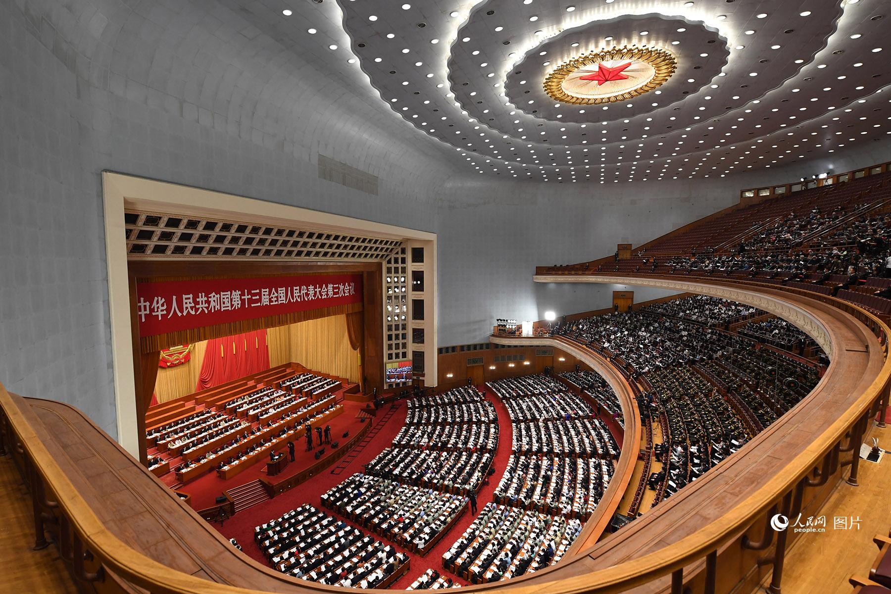 十三届全国人大三次会议开幕会。人民网记者 翁奇羽 摄