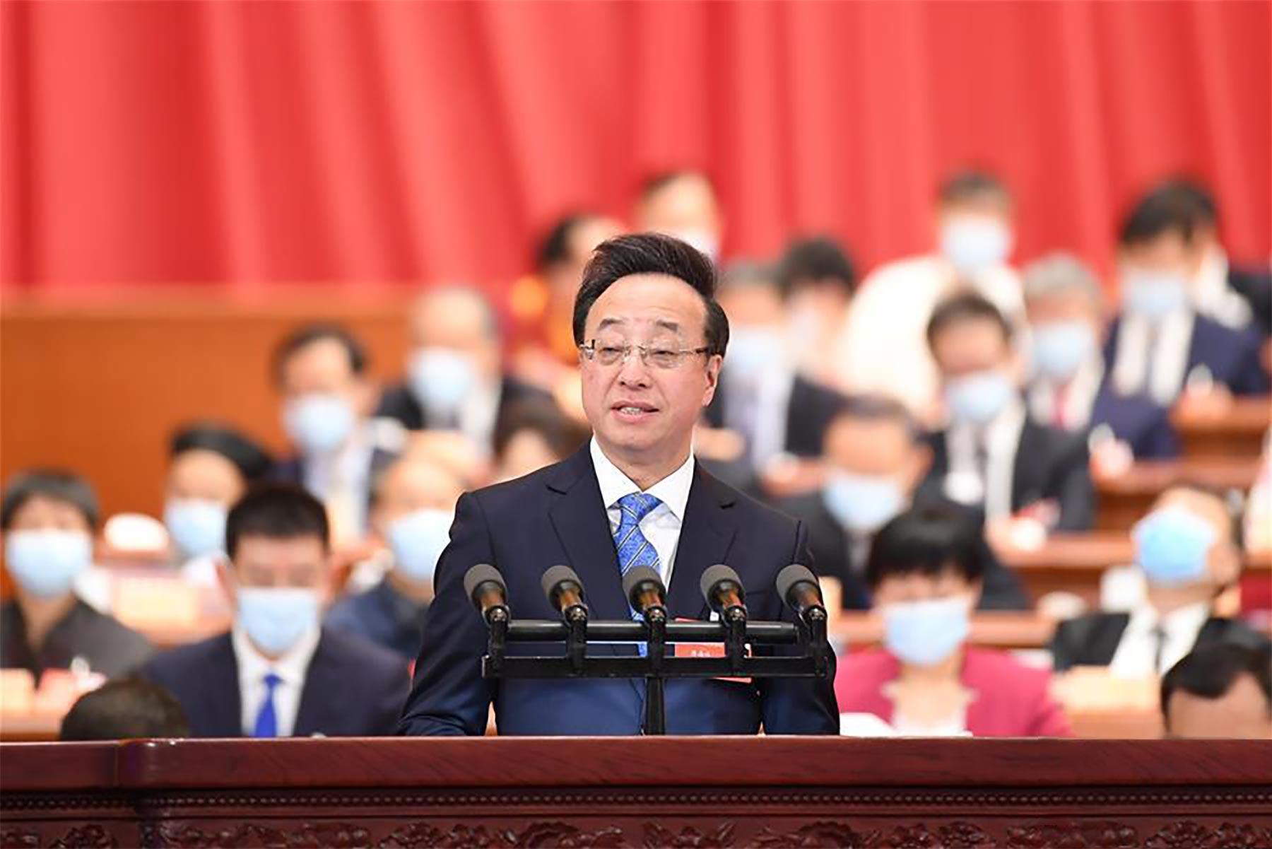 屠海鸣委员作大会发言。新华社记者 刘彬 摄